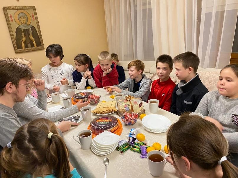 Сотрудники Кинокомпании «Союз Маринс Групп» доставили тёплые вещи в детский приют имени Евфросинии Московской