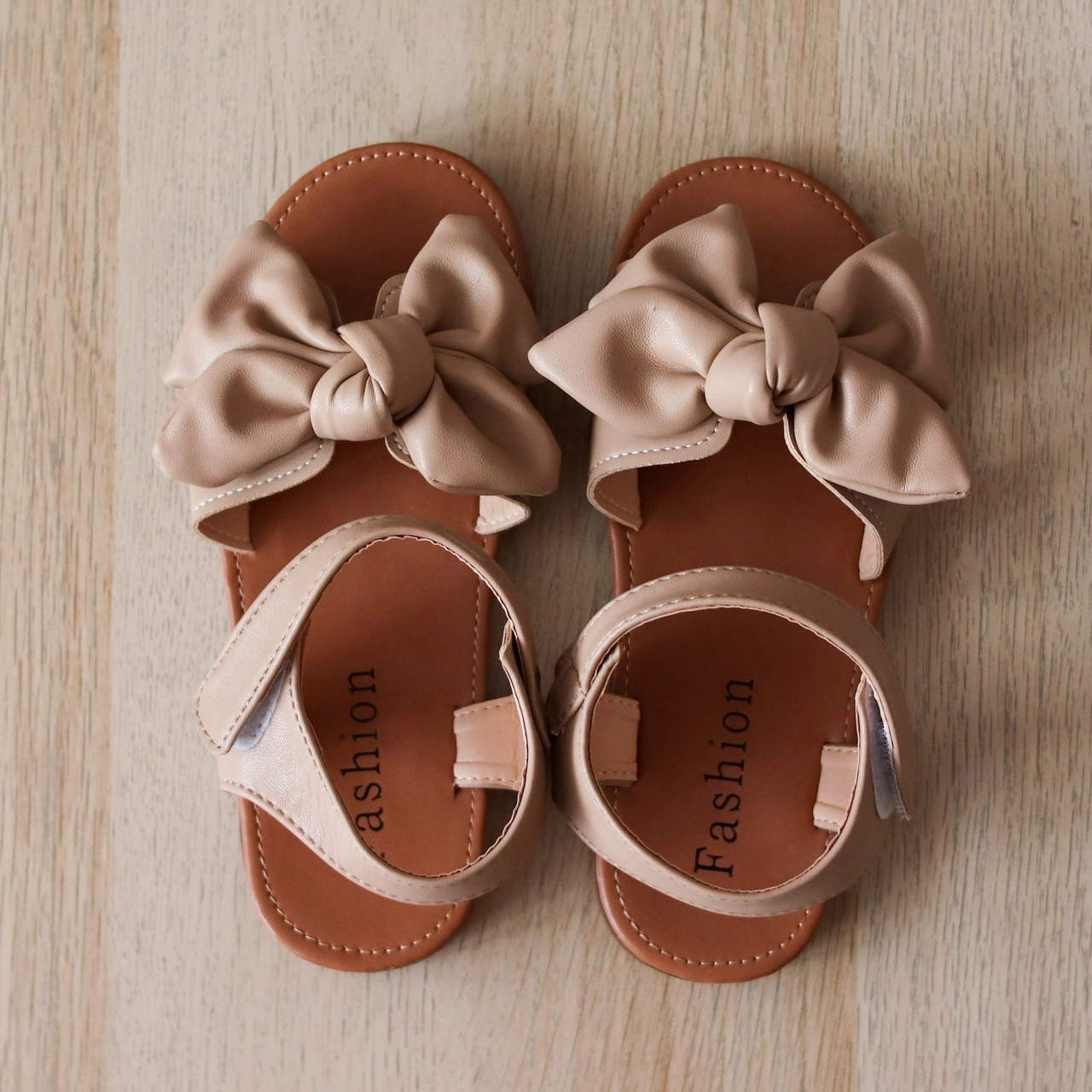 Очень симпатичные сандалии из магазина #Colorful childhood Store.