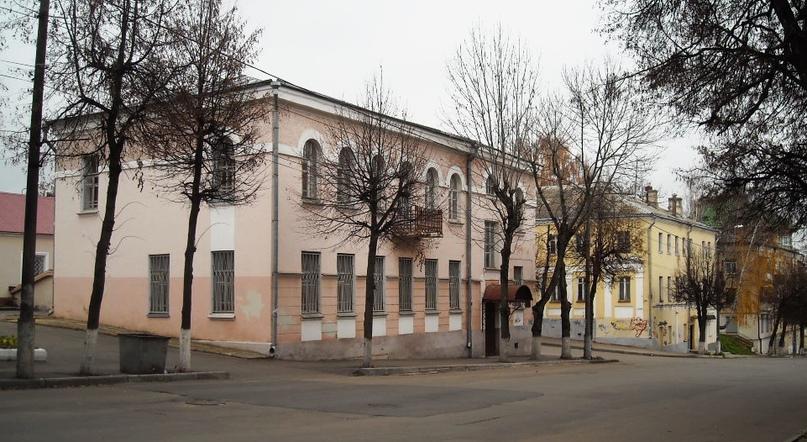 «Дом ротмистра Могилевцева» на улице Введенской, изображение №2