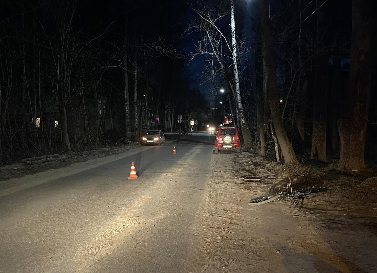 На 2-ом Коммунистическом переулке в Кимрах дедушка на Сузуки сбил подростка на велосипеде