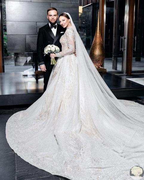 Солистка группы Arti & Asti вышла замуж