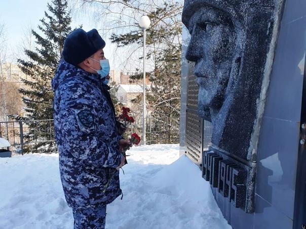 Томские росгвардейцы приняли участие во всероссийской акции «Защитим память героев», изображение №2