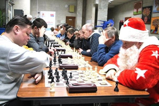 Дед Мороз обыграл всех малаховских шахматистовВ ра...