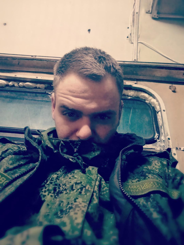 Илья, 21, Frolovo