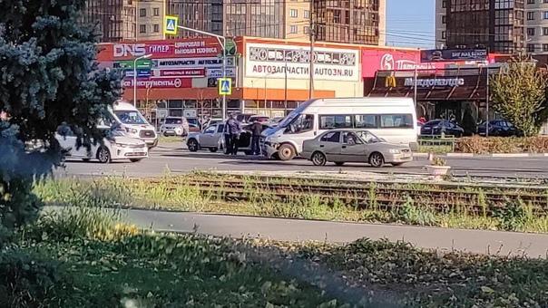 ДТП. Пересечение ул.Александрова- ул.Мира...