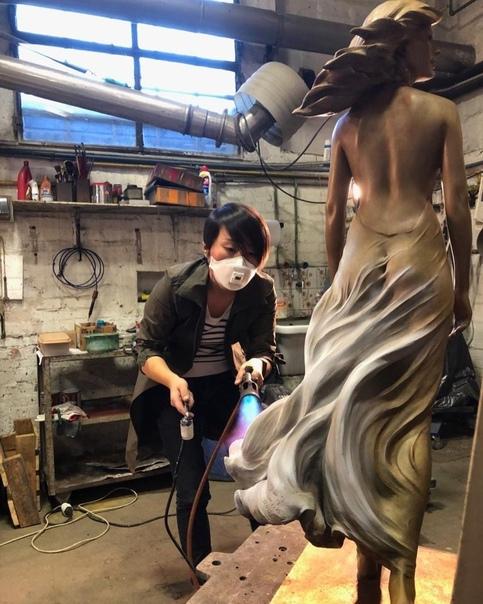 Прекрасные творения женщины - скульптора Luo Li Rong Лу Ли Ронг молодая китайская женщина-скульптор. Она родилась в 1980 году и с ранних лет интересовалась искусством. В 2005 году окончила