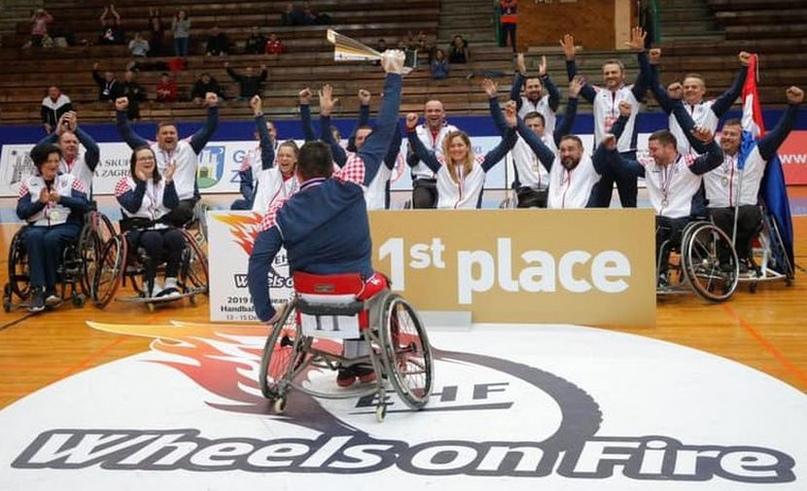 Гандбол на колясках. Трудности правил, социальная значимость и мечты о Паралимпийских играх, изображение №1