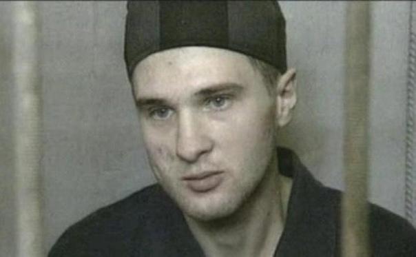 Серийный убийца, насильник и педофил, заслуживший прозвище «Каменский Чикатило» Орудовал в 1993-1996 годах. Работавший с ним известный психиатр Александр Бухановский, заявлял, что Бурцев один из