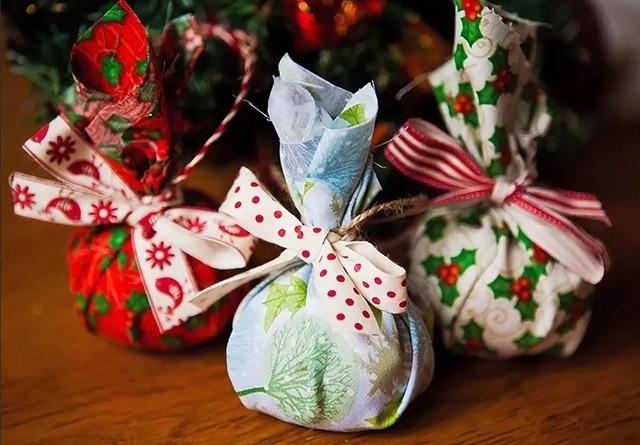 Как упаковать конфеты на праздник поштучно своими руками,