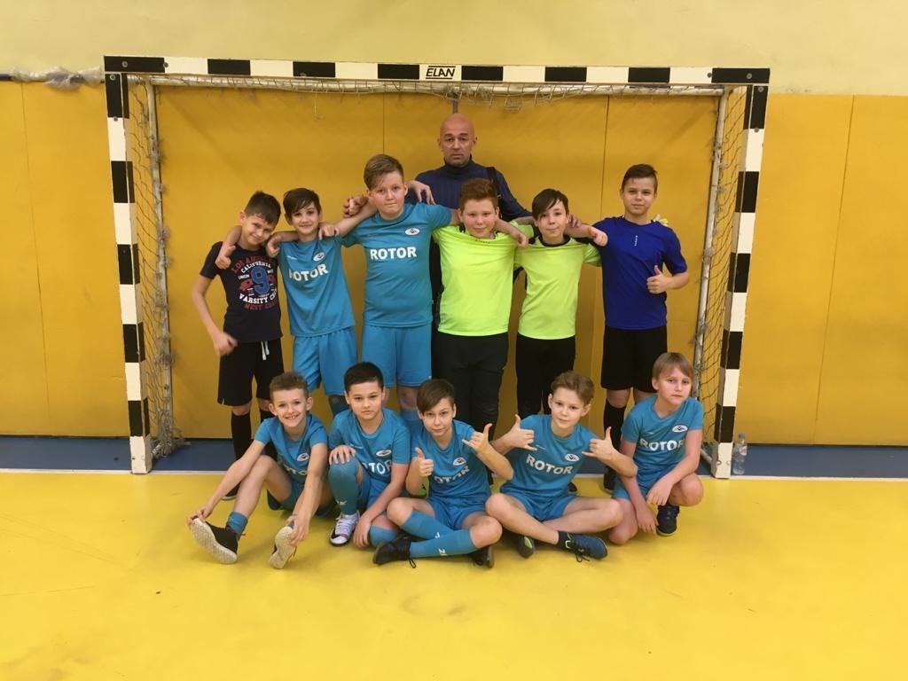 Футболисты из школы № 2048 в Некрасовке обыграли команду школы № 1793