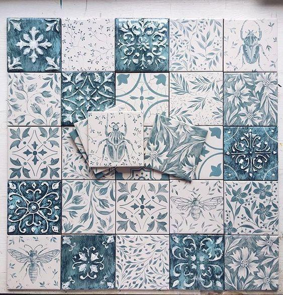 Ручная роспись керамической плитки.