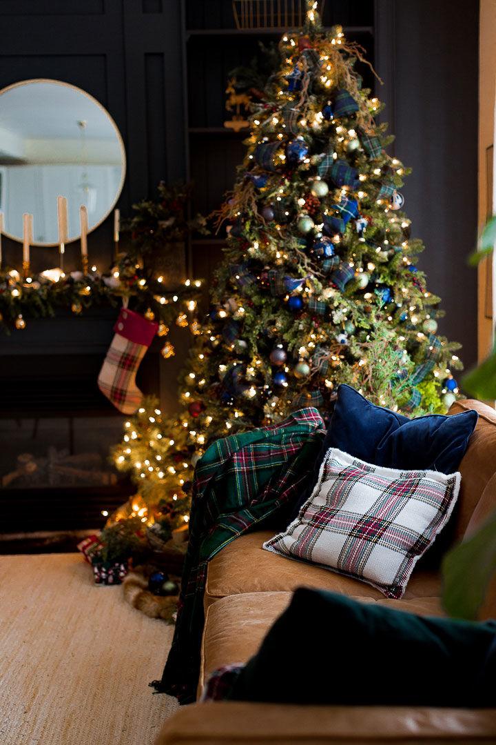 Клетчатые текстиль и довольный пёс: Рождество в одном американском доме || 02