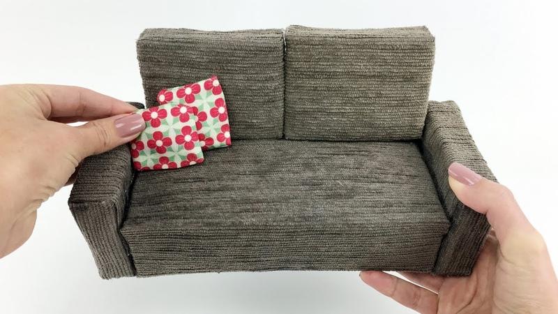 Como fazer um Sofá muito fácil para a sua Barbie e outras Bonecas Casa 1