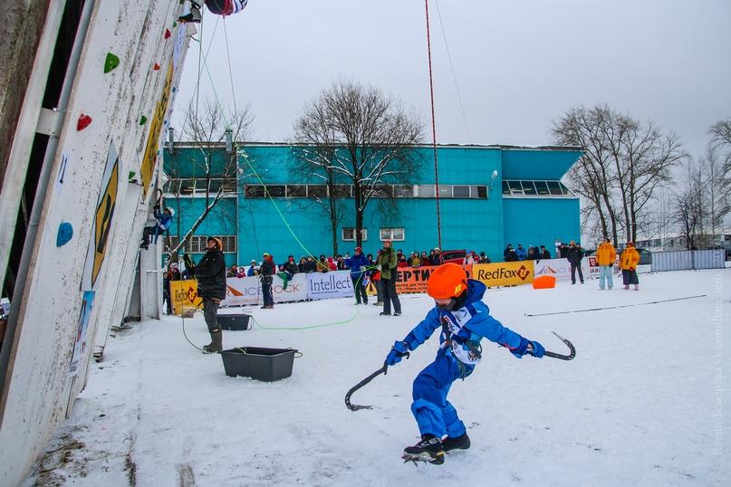 Главные отечественные ледолазные старты сезона финишировали в городе Кирове в минувшие выходные – чемпионат и первенство России по альпинизму. Всем было что доказывать и что терять…, изображение №20