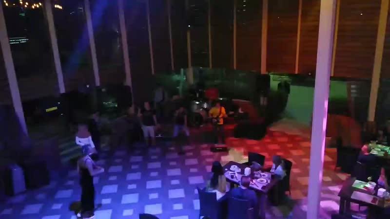 """20 09 2020г Крым пгт Мирный Кафе Шашлычный дворик"""""""